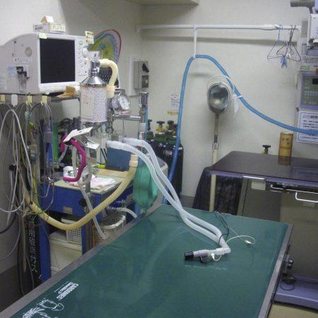 手術室とレントゲン台